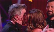 Τα «καυτά» φιλιά της Kirstie Alley στο Dancing With The Stars