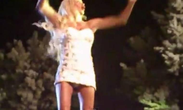 Video Πάολα: Έδειξε το βρακάκι της…στην Κοζάνη! (nassos blog)