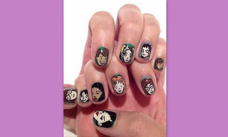 Έβαλε τους αγαπημένους ήρωες κόμικς στα νύχια της