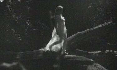 Ημίγυμνη στο νέο βίντεο κλιπ της η Kylie Minogue