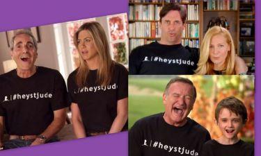 Robbie Williams, Jon Ham, Jennifer Aniston, τραγουδούν Beatles