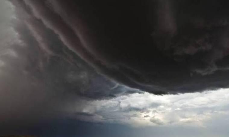 Εντυπωσιακές φωτογραφίες από τυφώνες και κυκλώνες