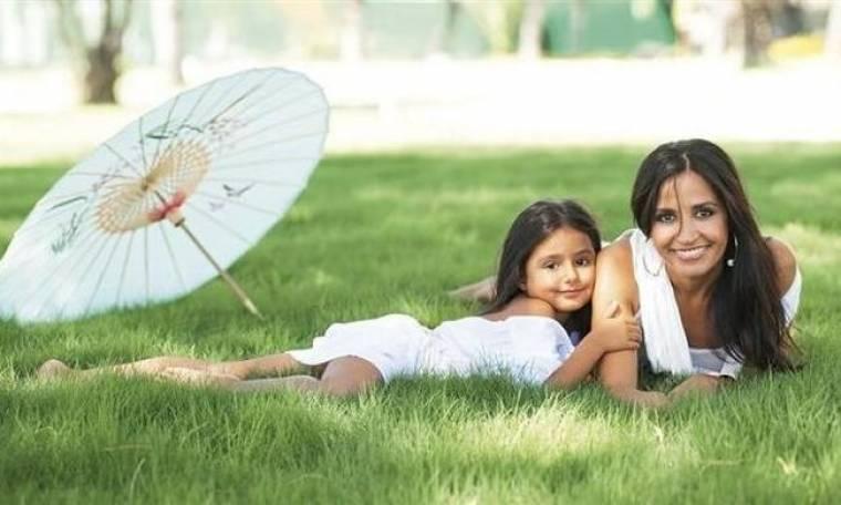 Βάσω Γουλιελμάκη: «Η κόρη μου έχει δεχτεί δύο μονόπτερα μέχρι τώρα και έχει ήδη στο ενεργητικό της δύο γάμους και έναν αρραβώνα»