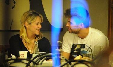 Shakira – Gerard Pique: Ρομαντικές βόλτες στη Βαρκελώνη