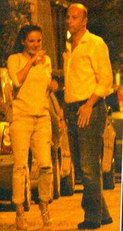 Δήμητρα Ματσούκα- Γιάννη Φιξ: «Καυτά» φιλιά στη μέση του δρόμου