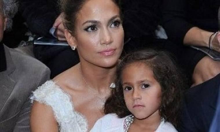 Jennifer Lopez: Με την κόρη της στο fashion show του οίκου Chanel