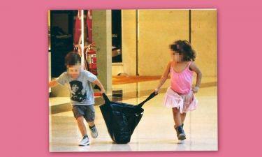 Ποια παιδιά επωνύμων άρπαξαν την τσάντα της…;
