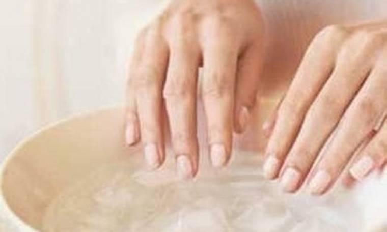 Πώς θα στεγνώσετε τα νύχια σας γρήγορα