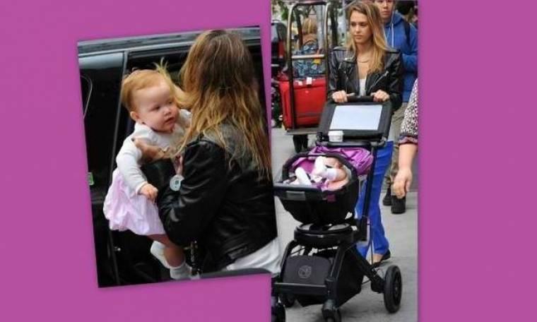 Jessica Alba: Με την κόρη της στη Νέα Υόρκη!