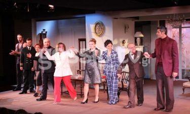 «Μια τρελή, τρελή σαραντάρα»: Όλη η showbiz στην πρεμιέρα!
