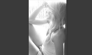 Έλενα Παπαβασιλείου: Το ξενύχτι, η θλιμμένη πόζα και η παραλίγο… «αυτοκτονία»!