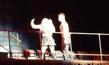 Απίστευτο! Η Lady Gaga έκανε εμετό on stage και συνέχισε να τραγουδάει!