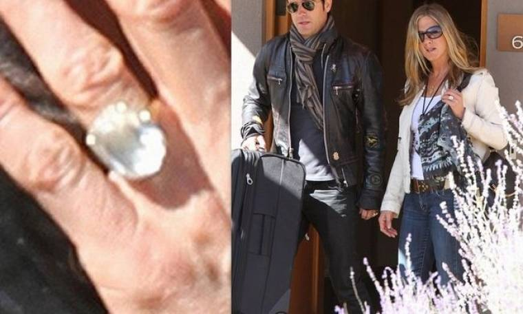 Η Jennifer Aniston αποκάλυψε το μονόπετρο... κοτρώνα του αρραβώνα της!