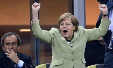 Μέρκελ: Στην Αθήνα με το πράσινο σακάκι που φόραγε στο Euro (photos+video)