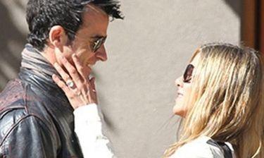 Jennifer Aniston: Υπερβολικό ή όχι το δαχτυλίδι των αρραβώνων της;
