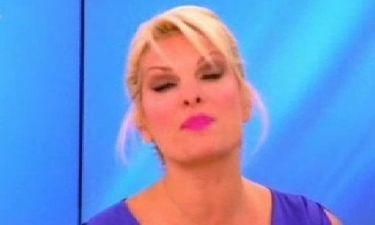Το νέο  look της Ελένης Μενεγάκη! «Πετάει αυτό το τσουλουφάκι μου Σταύρο»;