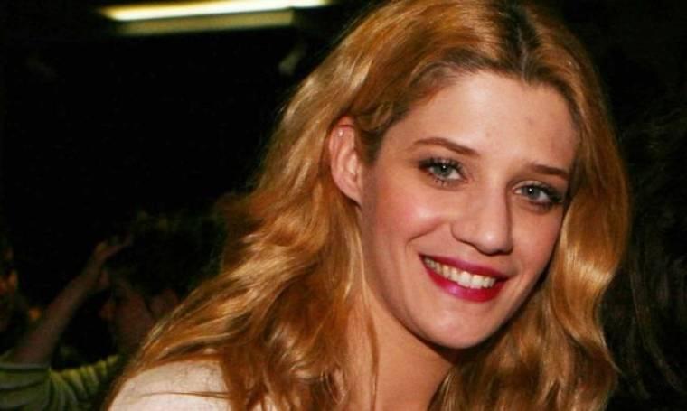 Τζένη Θεωνά: Γερμανίδα στην TV…Κρητικιά στο θεατρικό σανίδι