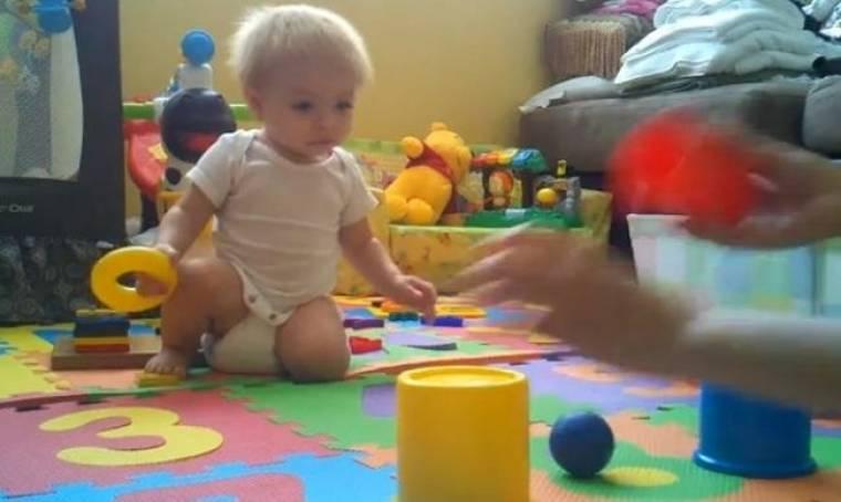 Βίντεο: Η μαμά του πιστεύει πως είναι το πιο έξυπνο παιδί στον κόσμο!