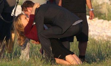 Natalie Portman – Michael Fassbender: Καυτά φιλιά στα πλατό