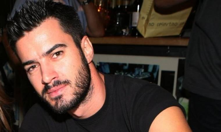 Γιάννης Τσιμιτσέλης: Εξομολογείται αν είχε άγχος για τη γυμνή του εμφάνιση στο θεατρικό σανίδι