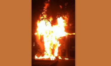 Παρουσιαστής είδε να καίγεται την Εθνική τράπεζα Αμαρουσίου!
