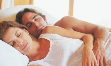 Τι σημαίνει κάθε στάση στον ύπνο του ζευγαριού
