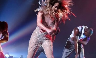 Νέο σέξι ατύχημα για την Jennifer Lopez!