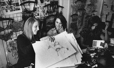 Penelope Cruz: Σχεδιάστρια εσωρούχων μαζί με την αδερφή της