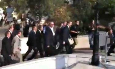 Πολίτης σε Σαμαρά: «Μπράβο πρόεδρε, μας πούλησες όλους» (vid)