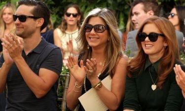Jennifer Aniston: Δεν τη βαραίνει το δαχτυλίδι;