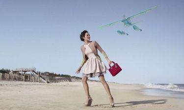 Marion Cotillard: Φωτογράφηση στην παραλία για τον Dior