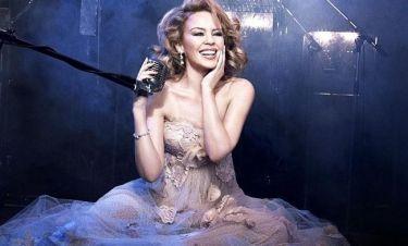 """Kylie Minogue: """"Γενέθλια"""" με σέξι φωτογράφηση και νέο άλμπουμ"""