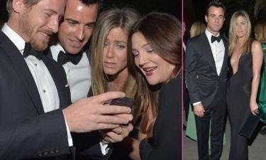 Η φωτογραφία του μωρού της Drew Barrymore και το βαθύ ντεκολτέ της Jennifer Aniston