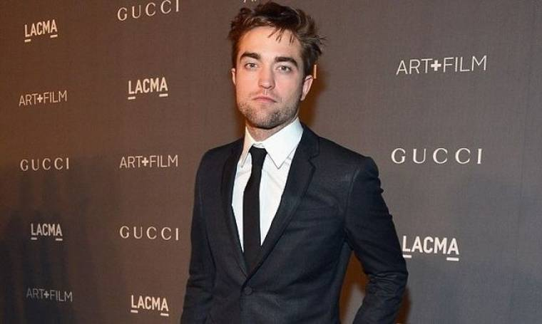 Robert Pattinson: Μόνος σε γκαλά για τον κινηματογράφο