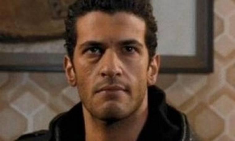 Σάιμον Κασσιανίδης: «Πρέπει να είσαι ευαίσθητος αρκετά για να μπορείς να υποδυθείς ένας ρόλο»