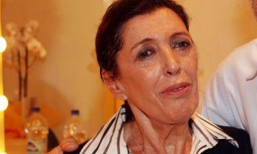 Ντίνα Κώνστα: «Δεν μου αρέσει που κάποιοι ηθοποιοί βγάζουν το πένθος ή την ευτυχία τους στα μανταλάκια»