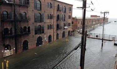Το διαμέρισμα διάσημου ζευγαριού καταστράφηκε από τα νερά
