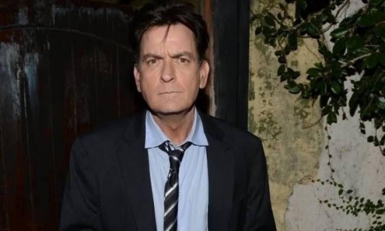 Charlie Sheen: 25.000 δολάρια τη μέρα σε ναρκωτικά και πόρνες