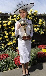Από Grace Kelly έγινε… Audrey Hepburn