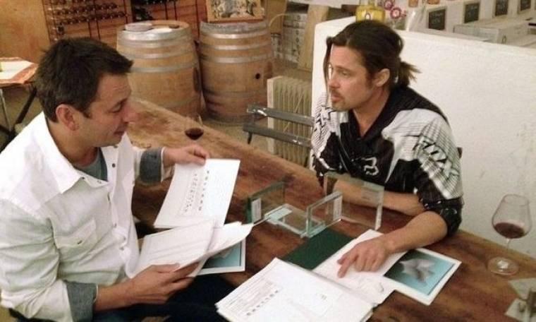 Δείτε τα έπιπλα που σχεδίασε ο Brad Pitt!