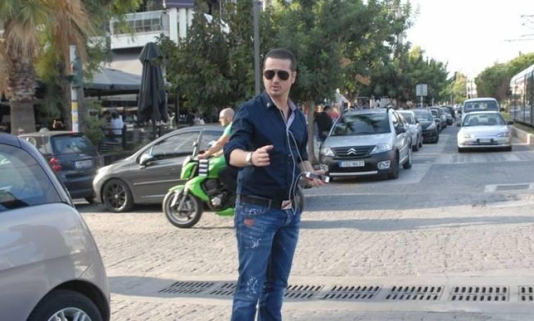 Νίκος Μαχλάς: Στην Γλυφάδα για καφέ