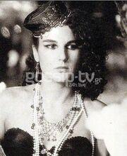 Διάσημη Ελληνίδα παρουσιάστρια στη μοναδική της εμφάνιση ως ηθοποιός σε ταινία