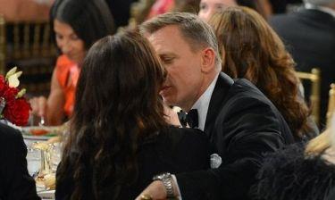 Ο Bond και το πραγματικό του κορίτσι!
