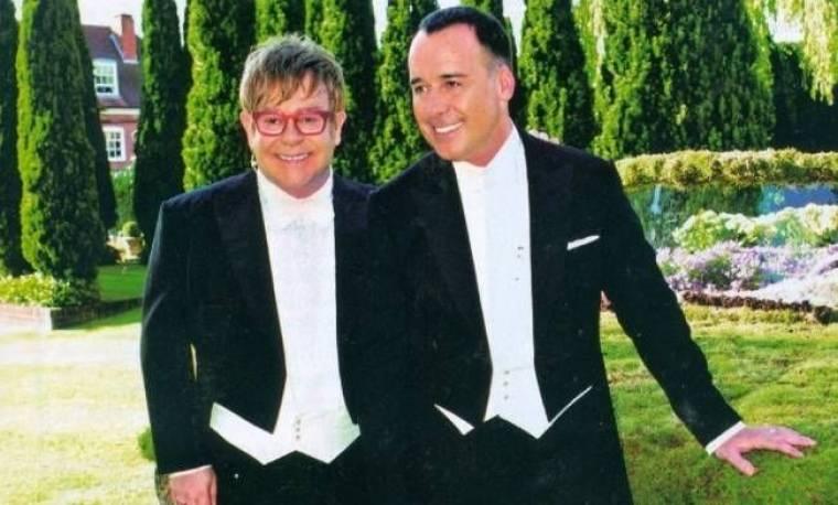 Έλτον Τζον: Θα δώσει δύο εκατομμύρια λίρες για τα γενέθλια του αγαπημένου του