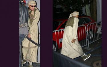 Ο Chris Brown προκάλεσε αντιδράσεις με την στολή Ταλιμπάν στο «Halloween»