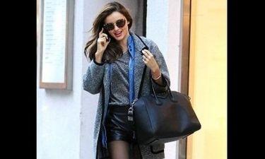 Miranda Kerr: με τα πιο hot μποτάκια της σεζόν και την αγαπημένη της τσάντα στο Manhattan