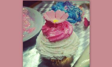 Ποια επώνυμη έκανε αυτά τα cupcakes;