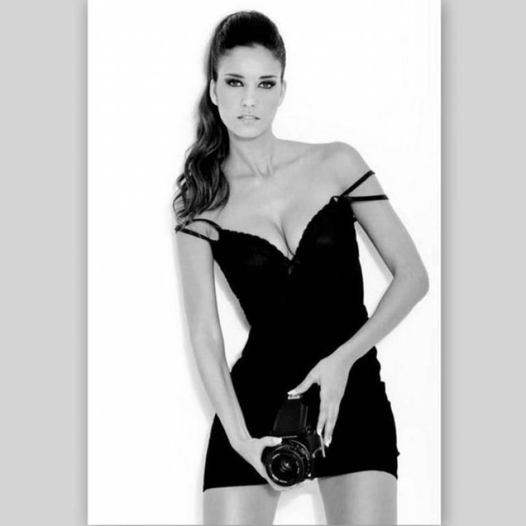 Η Ντέμπορα Κορόνα είναι η «καυτή» σύντροφος του άσου του Άρη, Νταδίβ Αγκάνθο
