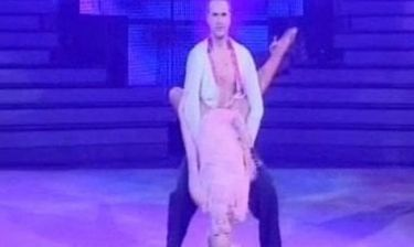 Dancing with the stars: Λάουρα Νάργιες: Η ροζ εμφάνιση και η… εξεταστική