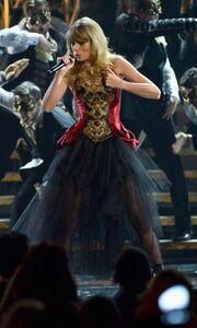 American Music Awards: Η βραδιά του Justin Bieber και τα βουντού της Ke$ha